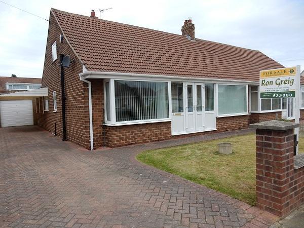 2 Bedrooms Semi Detached Bungalow for sale in Buxton Gardens, Wolviston Court, Billingham TS22