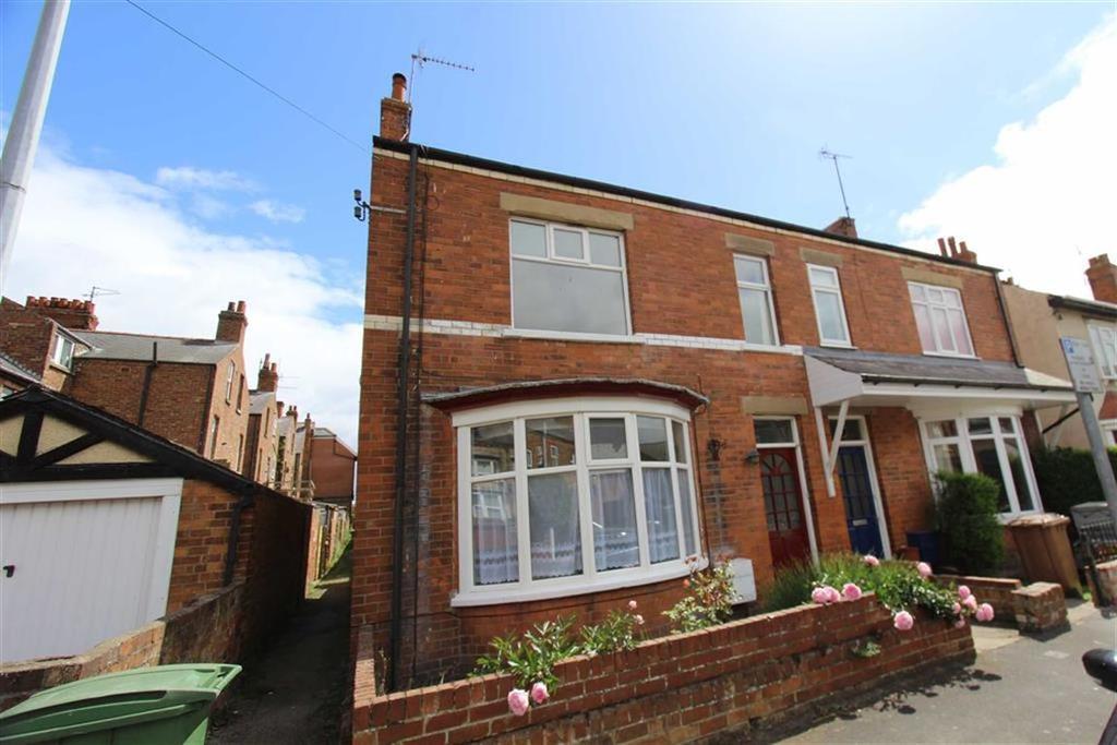 5 Bedrooms Semi Detached House for sale in Bedford Grove, Bridlington, YO15