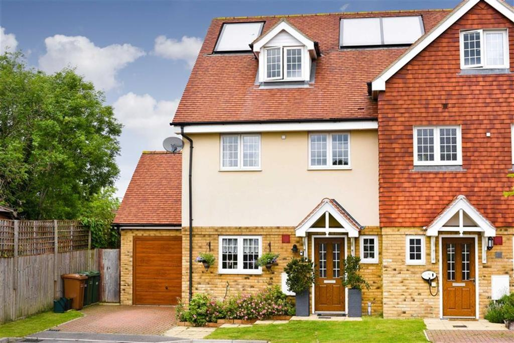 3 Bedrooms Semi Detached House for sale in South Tadworth Farm Close, Epsom Downs, Surrey