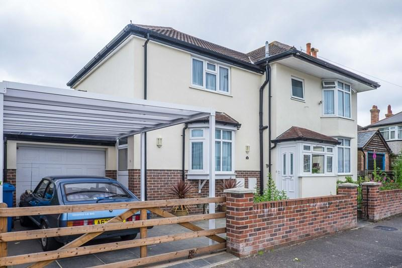 3 Bedrooms Detached House for sale in Chatsworth Road, Parkstone, Poole