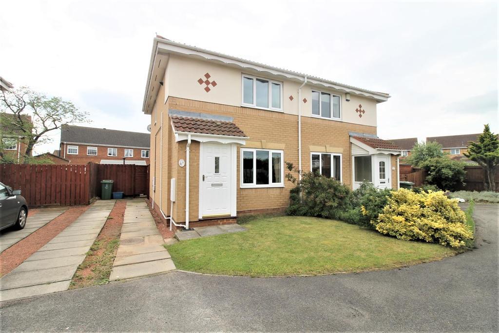 2 Bedrooms Semi Detached House for sale in Elsdon Gardens, Ingleby Barwick, Stockton-On-Tees