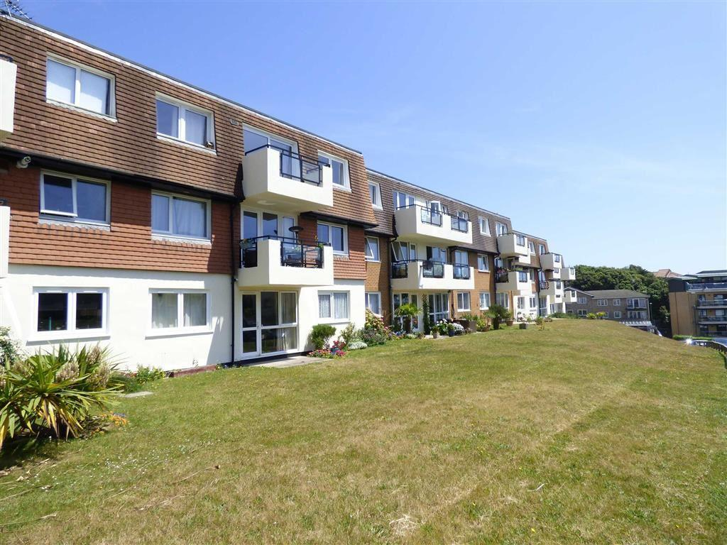 2 Bedrooms Flat for rent in St Johns Road, Bournemouth, Dorset, BH5