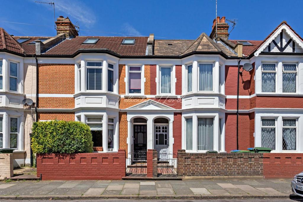 4 Bedrooms Terraced House for sale in Eastcombe Avenue, Charlton, SE7