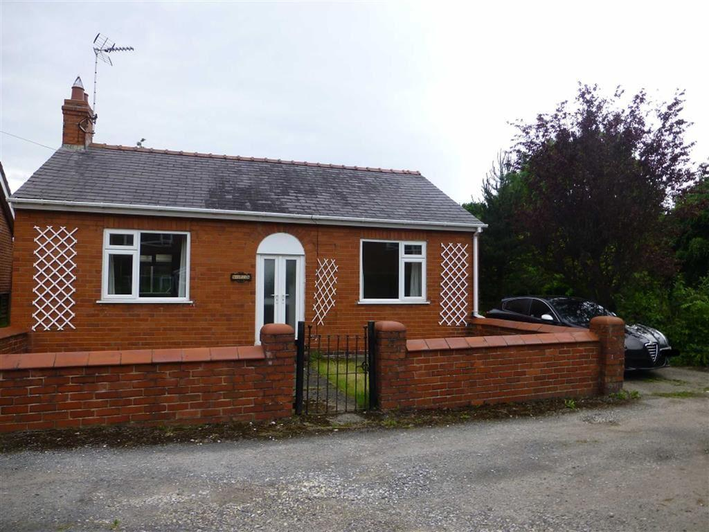 2 Bedrooms Detached Bungalow for sale in Stryt Issa, Penycae