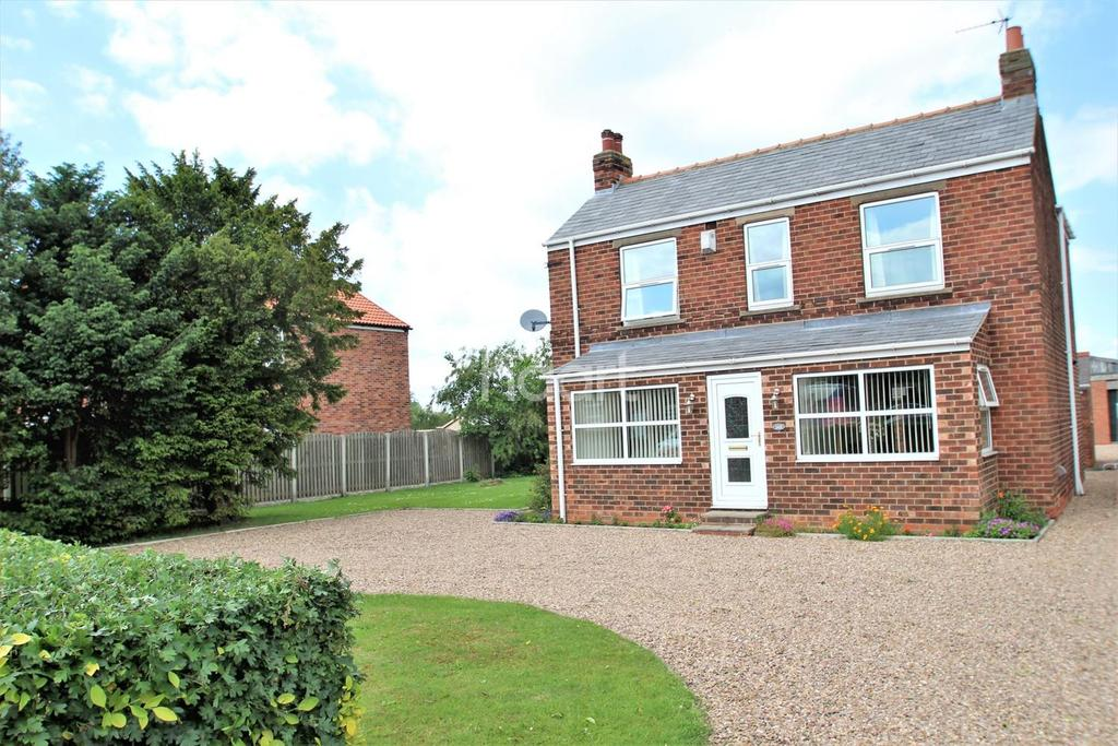 4 Bedrooms Detached House for sale in Westgate Road, Belton