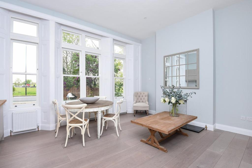 2 Bedrooms Flat for sale in Streatham Common North, Streatham, SW16