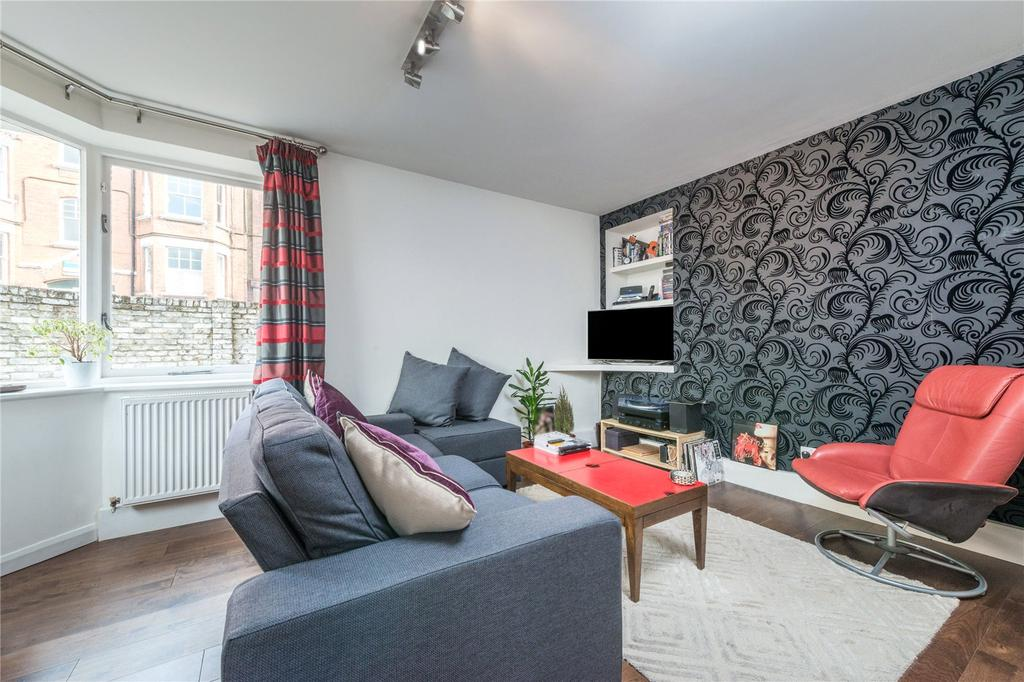 1 Bedroom Flat for sale in Westbourne Road, Holloway, London