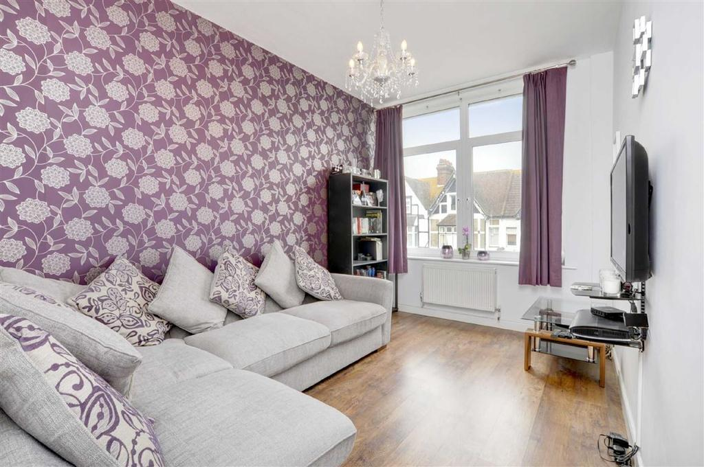 2 Bedrooms Flat for sale in Boundary Road, Hove