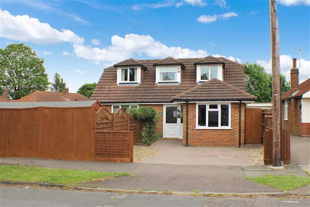 3 Bedrooms Detached Bungalow for sale in Hollybush Avenue, St Albans, Hertfordshire