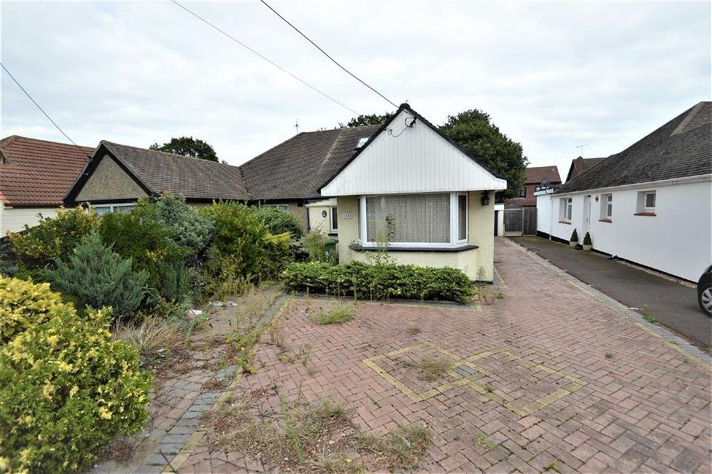 3 Bedrooms Chalet House for sale in Rectory Grove, Wickford, Essex