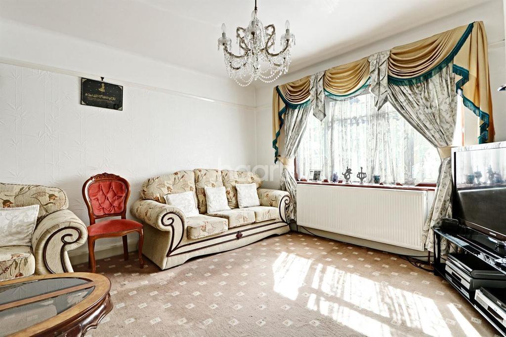 3 Bedrooms End Of Terrace House for sale in St Raphaels Way, Stonebridge Park