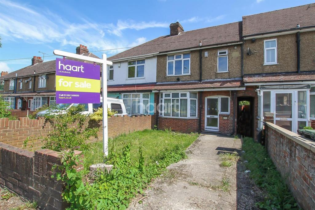 3 Bedrooms Terraced House for sale in calling All investers