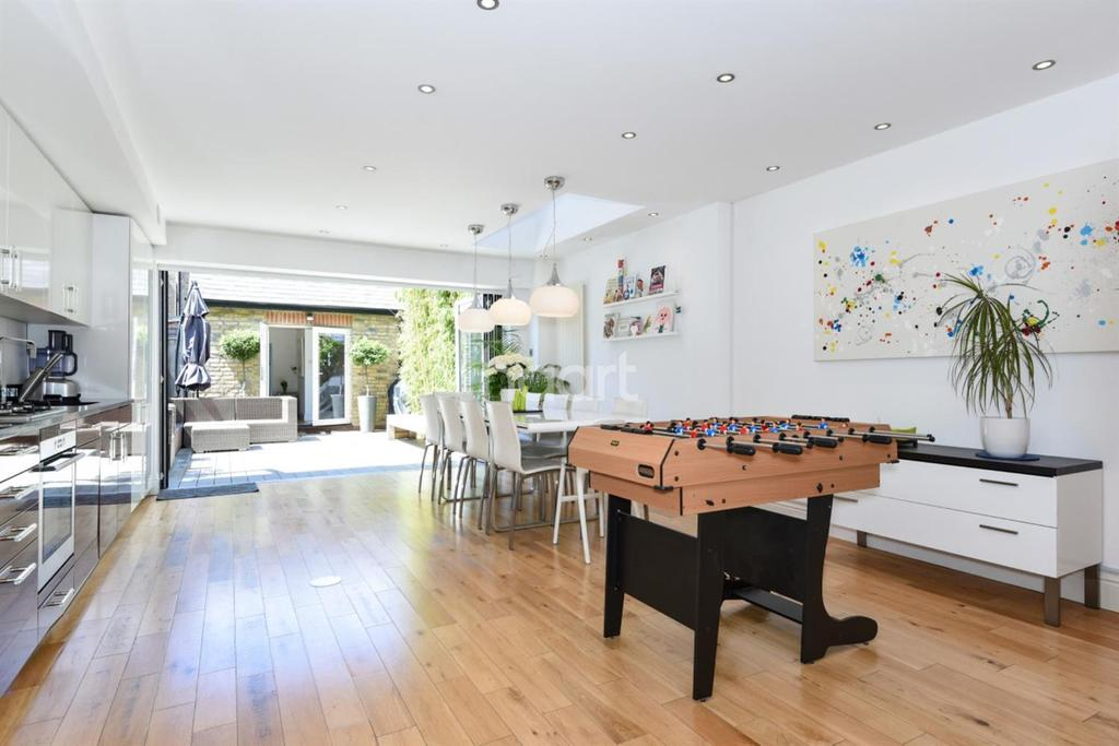 4 Bedrooms Terraced House for sale in Russell Road, Wimbledon, SW19