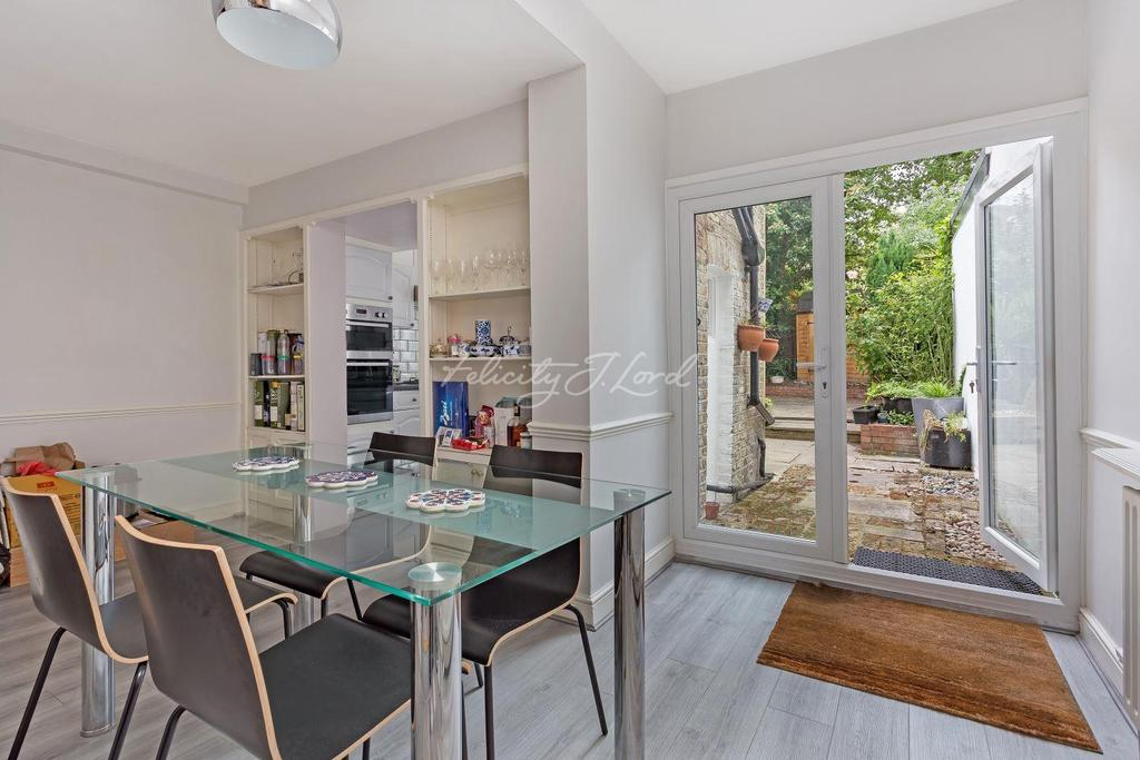 4 Bedrooms Terraced House for sale in Elliott Road, Chiswick W4