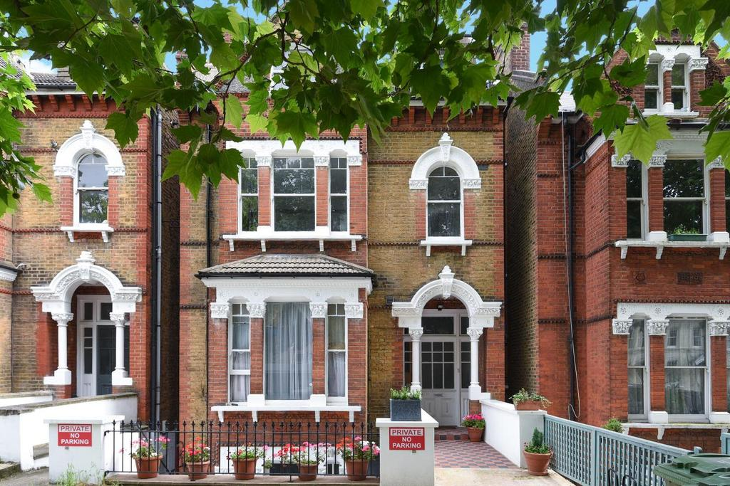 1 Bedroom Flat for sale in Christchurch Road, Streatham, SW2