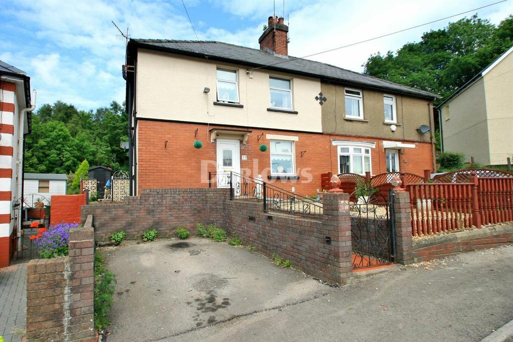 3 Bedrooms Semi Detached House for sale in Waunddu, Pontnewynydd, Pontypool