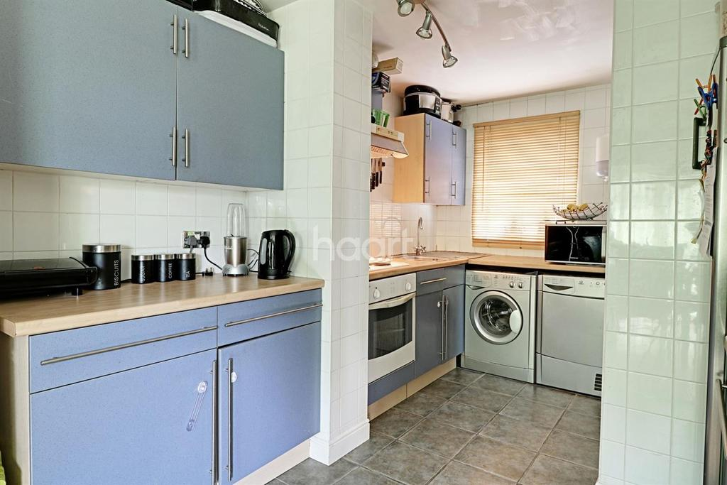 2 Bedrooms Maisonette Flat for sale in Northolt
