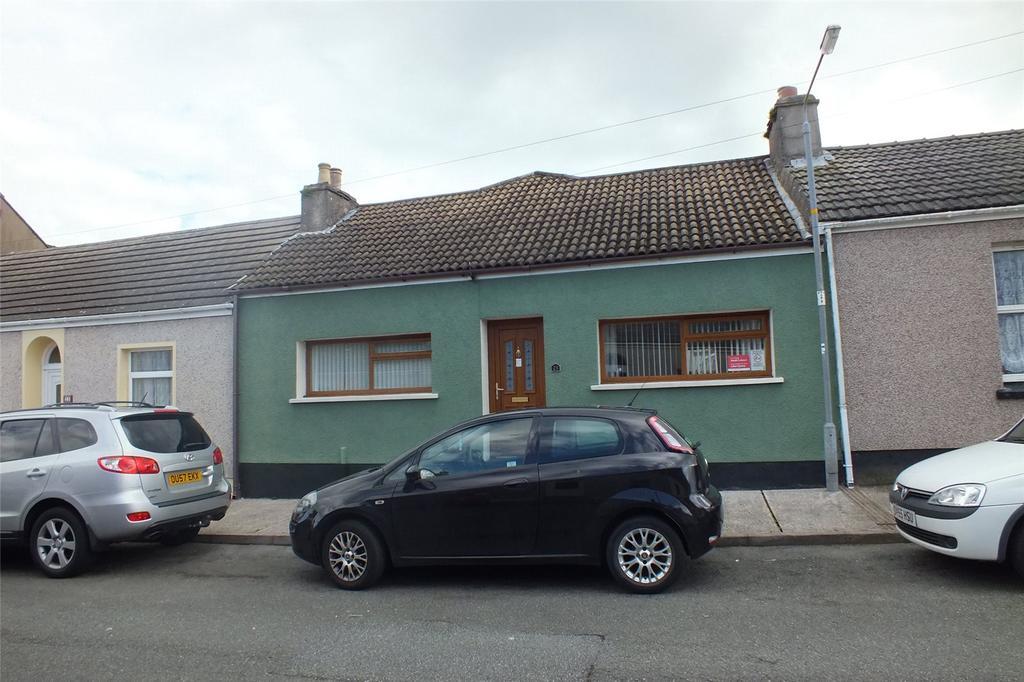 3 Bedrooms Terraced Bungalow for sale in Owen Street, Pennar, Pembroke Dock