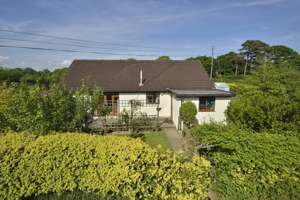 3 Bedrooms Detached Bungalow for sale in Smeatharpe, Honiton, Devon, EX14