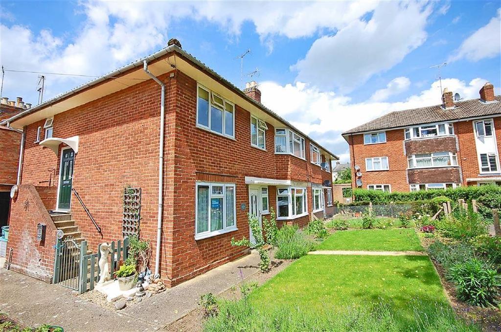 2 Bedrooms Flat for sale in East End Road, Charlton Kings, Cheltenham, GL53