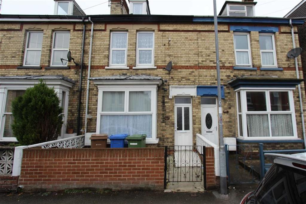 4 Bedrooms Terraced House for sale in Cambridge Street, Bridlington, YO16