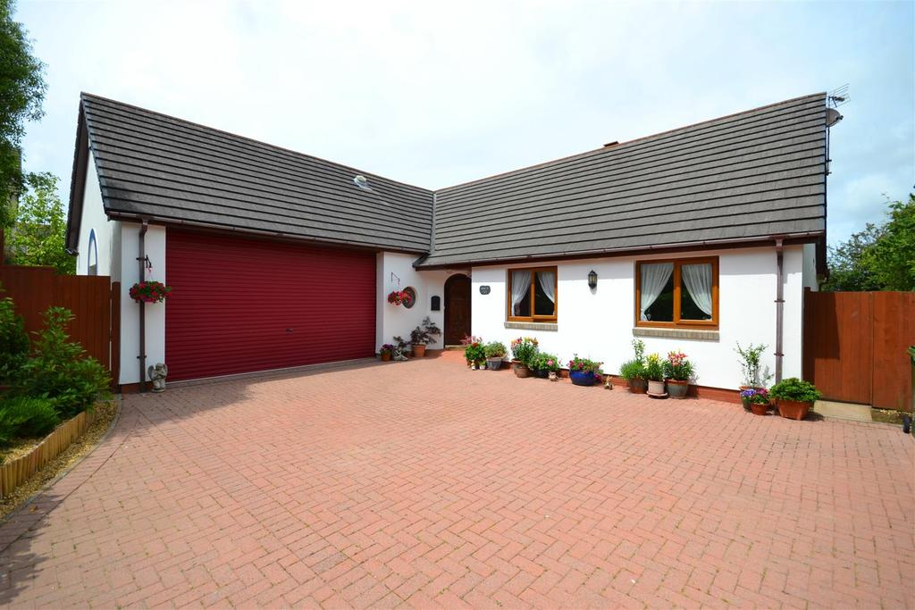 3 Bedrooms Detached Bungalow for sale in Neyland