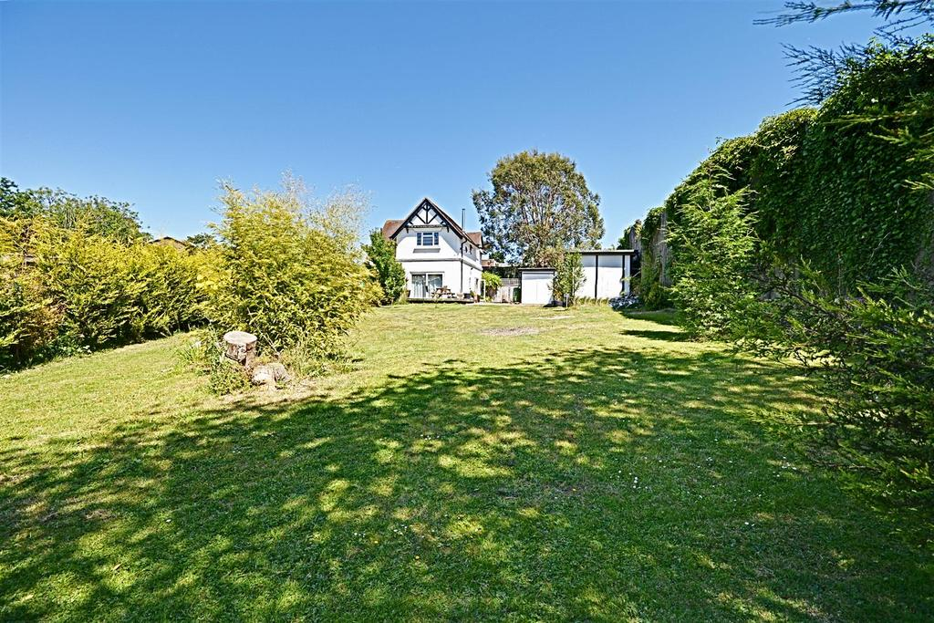3 Bedrooms Detached House for sale in Holliers Hill, Bexhill-On-Sea