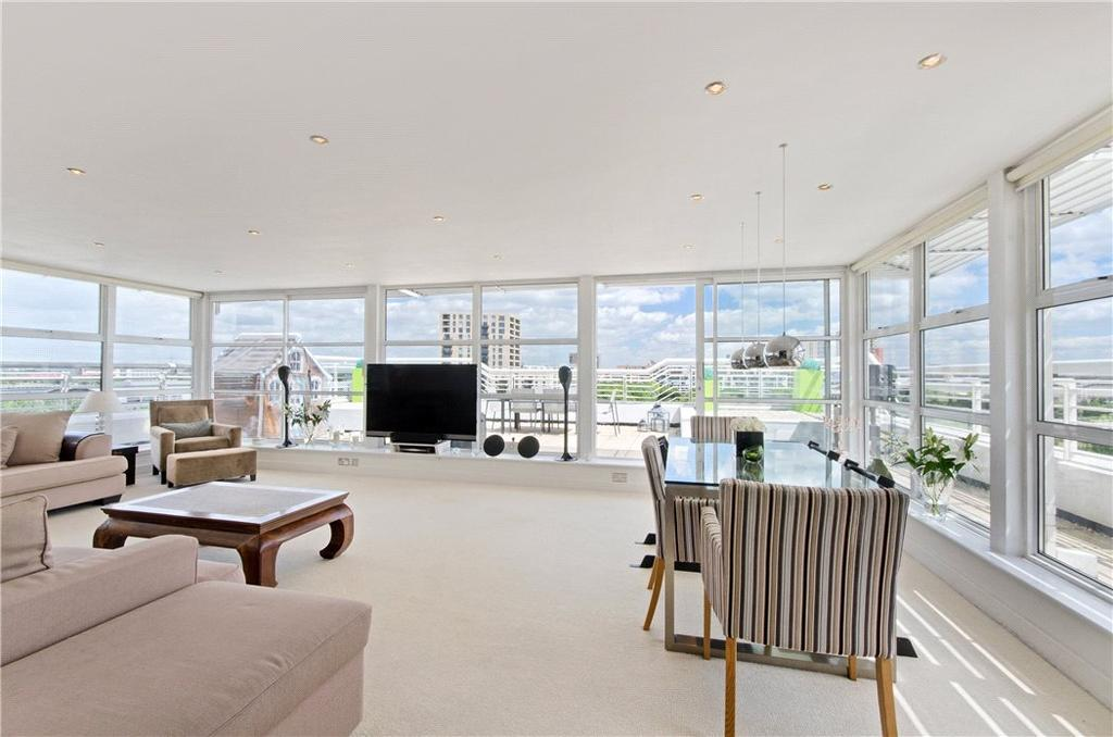 3 Bedrooms Penthouse Flat for sale in Barrier Point Road, Royal Docks, London, E16