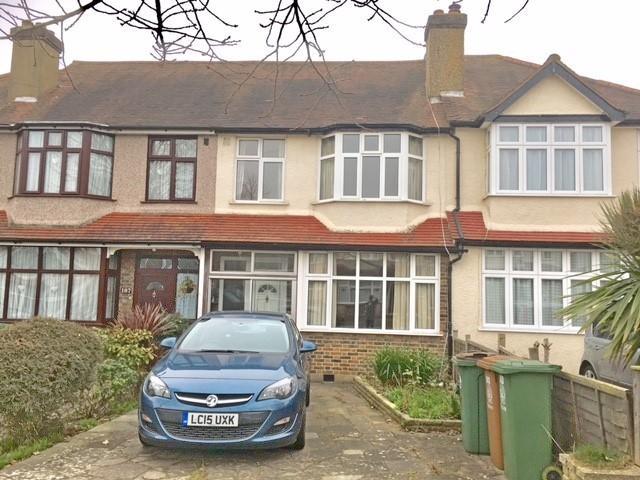 3 Bedrooms Terraced House for sale in bridgewood road, worcester park kt4