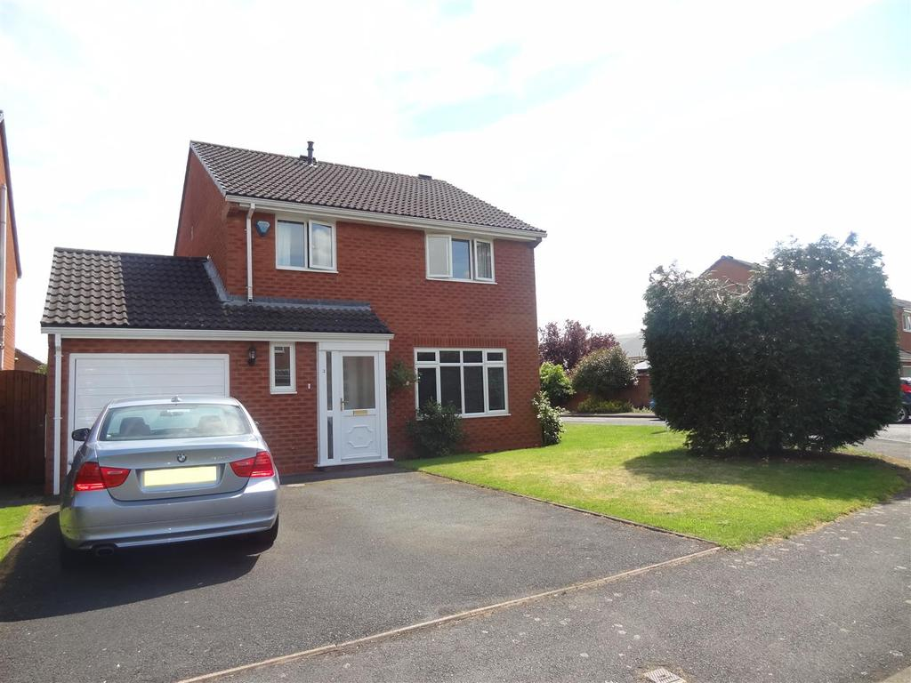 4 Bedrooms Detached House for sale in Pantulf Road, Wem, Shrewsbury