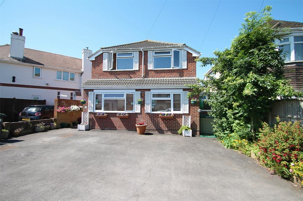 5 Bedrooms Detached House for sale in Portsmouth Road, Lee-on-the-Solent, Hampshire