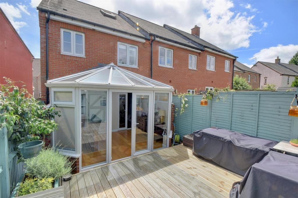 3 Bedrooms End Of Terrace House for sale in Charlton Drive, PETERSFIELD, Hampshire