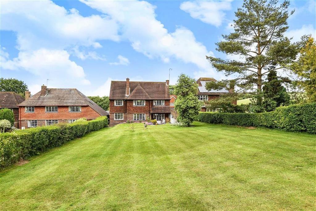 3 Bedrooms Detached House for sale in Pewley Way, Guildford, Surrey, GU1
