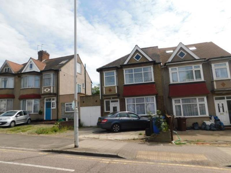 3 Bedrooms Semi Detached House for sale in Greenford Road, Harrow