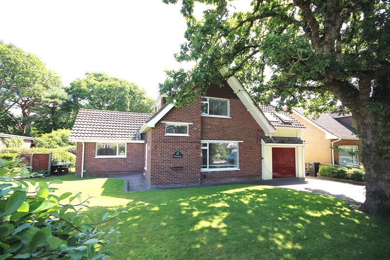 5 Bedrooms Detached House for sale in Ropers Lane, Upton, Poole