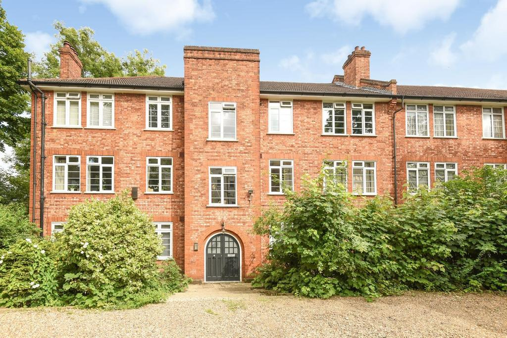 3 Bedrooms Flat for sale in Dartmouth Road, Forest Hill, SE23