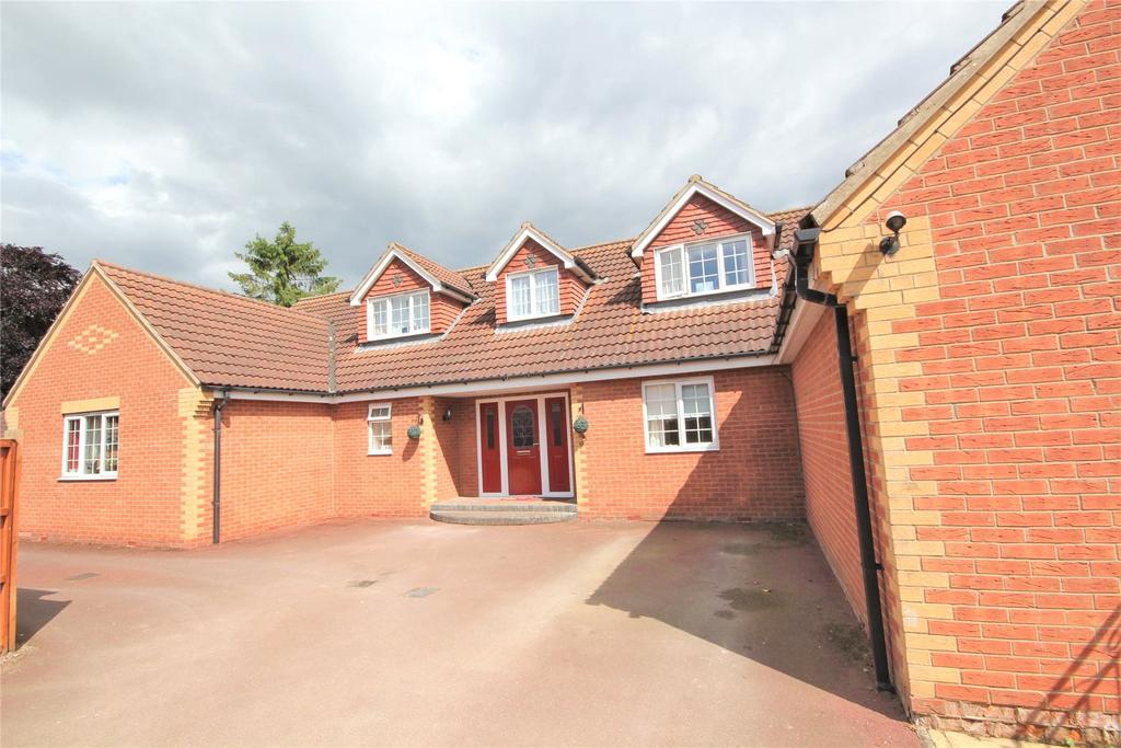 5 Bedrooms Detached Bungalow for sale in Holme Lane, Ruskington, NG34
