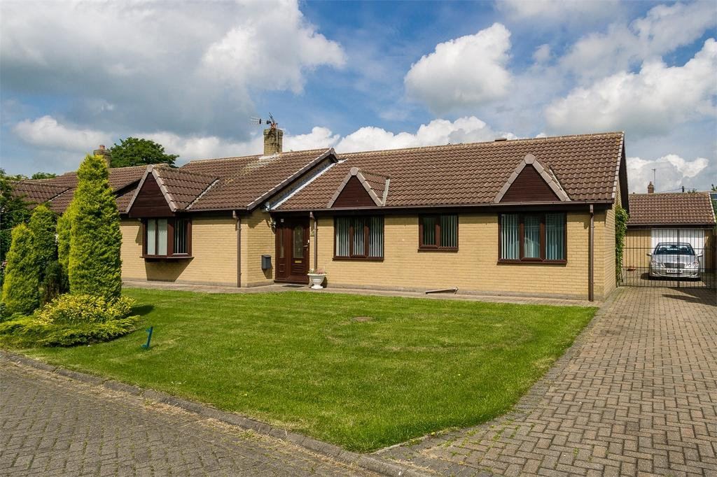4 Bedrooms Detached Bungalow for sale in South Park, Roos, East Riding of Yorkshire