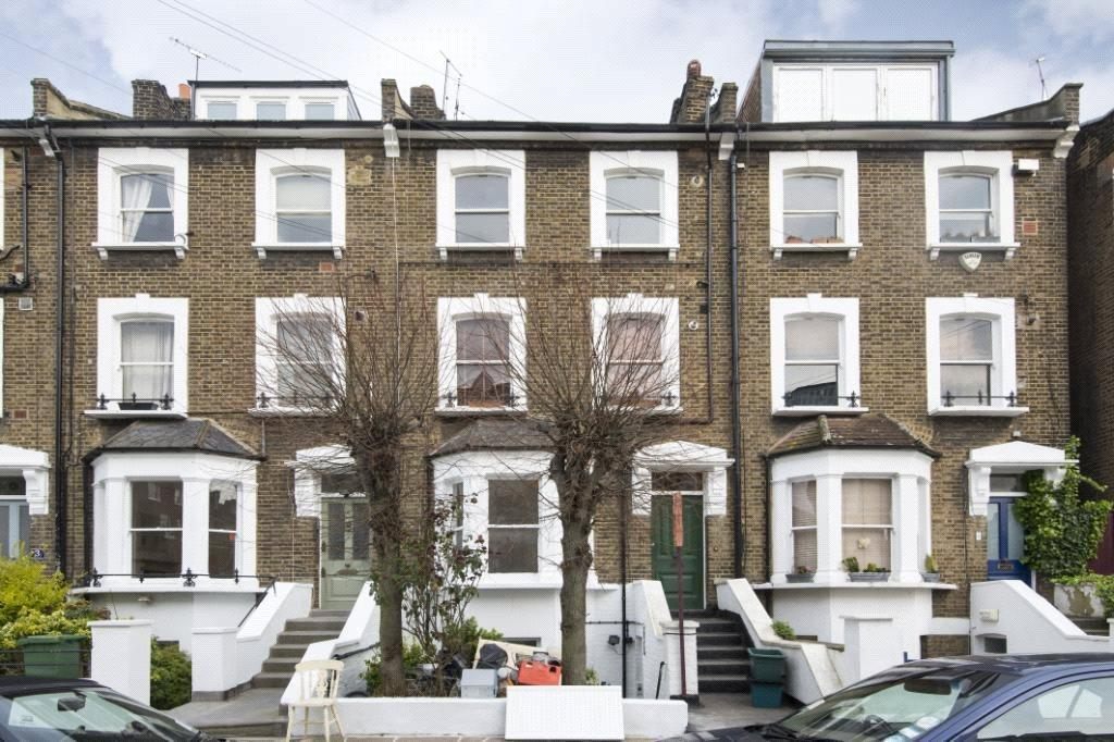 3 Bedrooms Flat for sale in Montpelier Grove, London, NW5