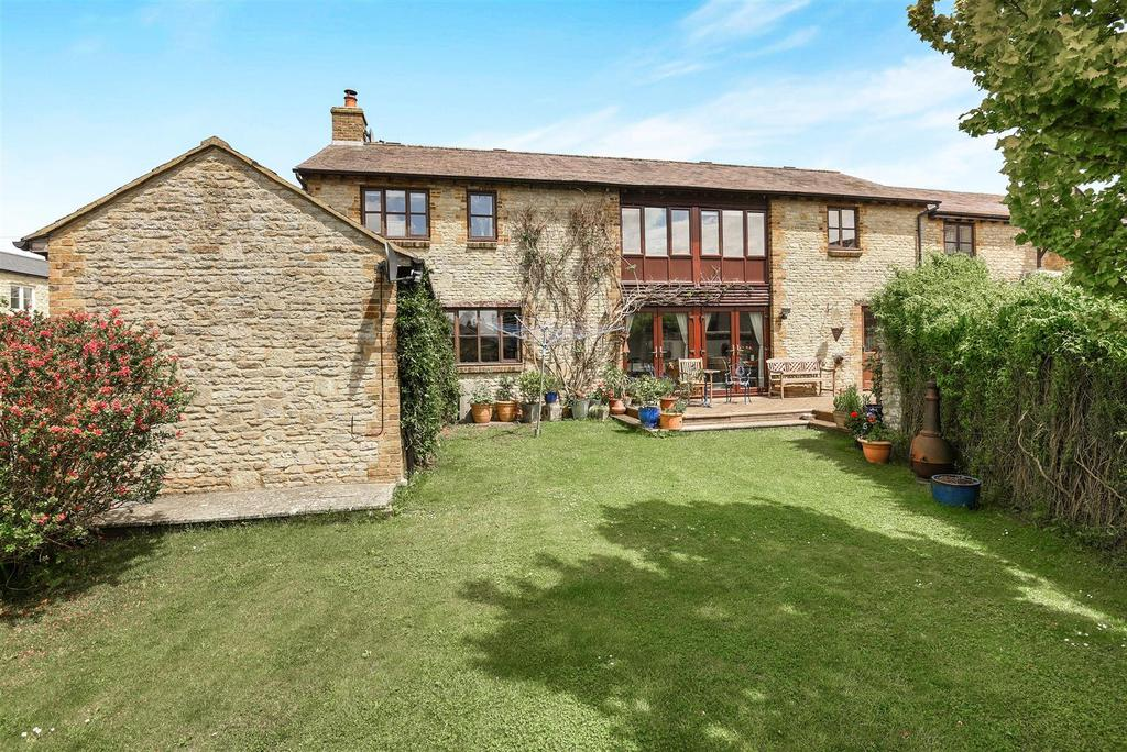 4 Bedrooms Barn Conversion Character Property for sale in College Court, Charlton On Otmoor