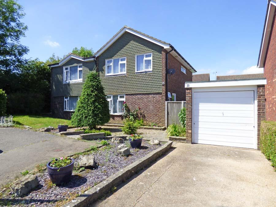4 Bedrooms House for sale in The Ridings, Burgess Hill, RH15