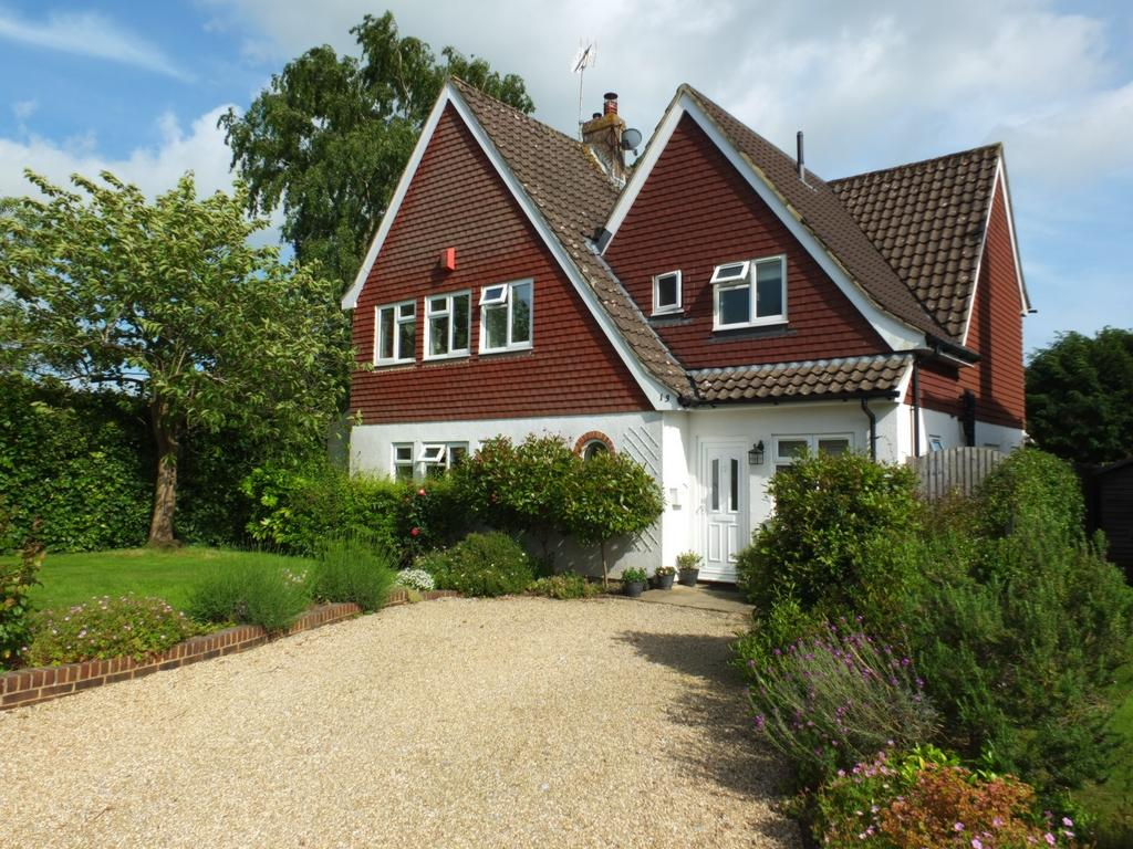 4 Bedrooms House for sale in Pickers Green, Lindfield, RH16