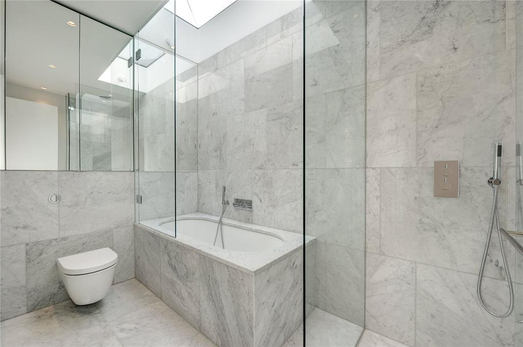 1 Bedroom House for sale in Warwick Court, Holborn, WC1R