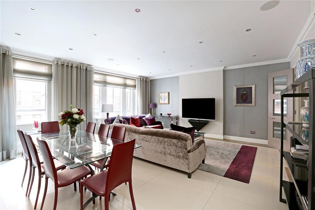 2 Bedrooms Flat for sale in St James's Chambers, Ryder Street, London