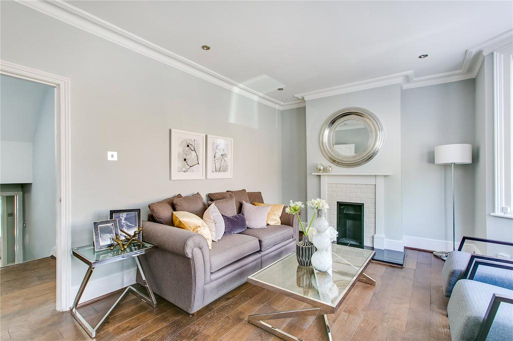 2 Bedrooms Flat for sale in Woodlawn Road, Bishops Park, Fulham