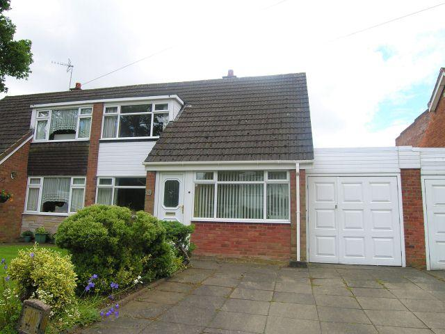 2 Bedrooms Semi Detached House for sale in Laburnum Close,Pelsall,Walsall