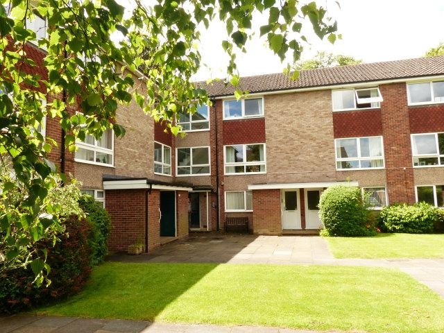 2 Bedrooms Maisonette Flat for sale in Hart Drive,Boldmere,Sutton Coldfield
