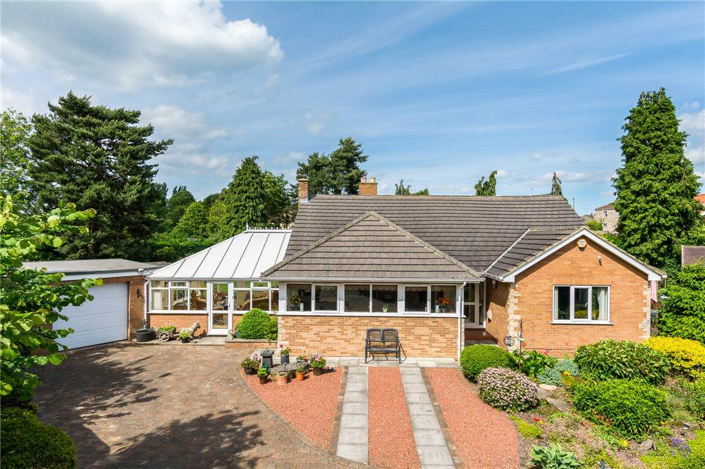 3 Bedrooms Detached Bungalow for sale in Pine Tree Lane, Hillam, Leeds