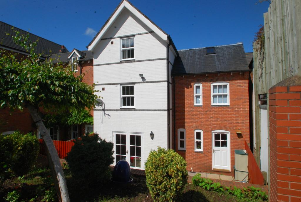 4 Bedrooms Town House for sale in Cowleigh Road, Malvern