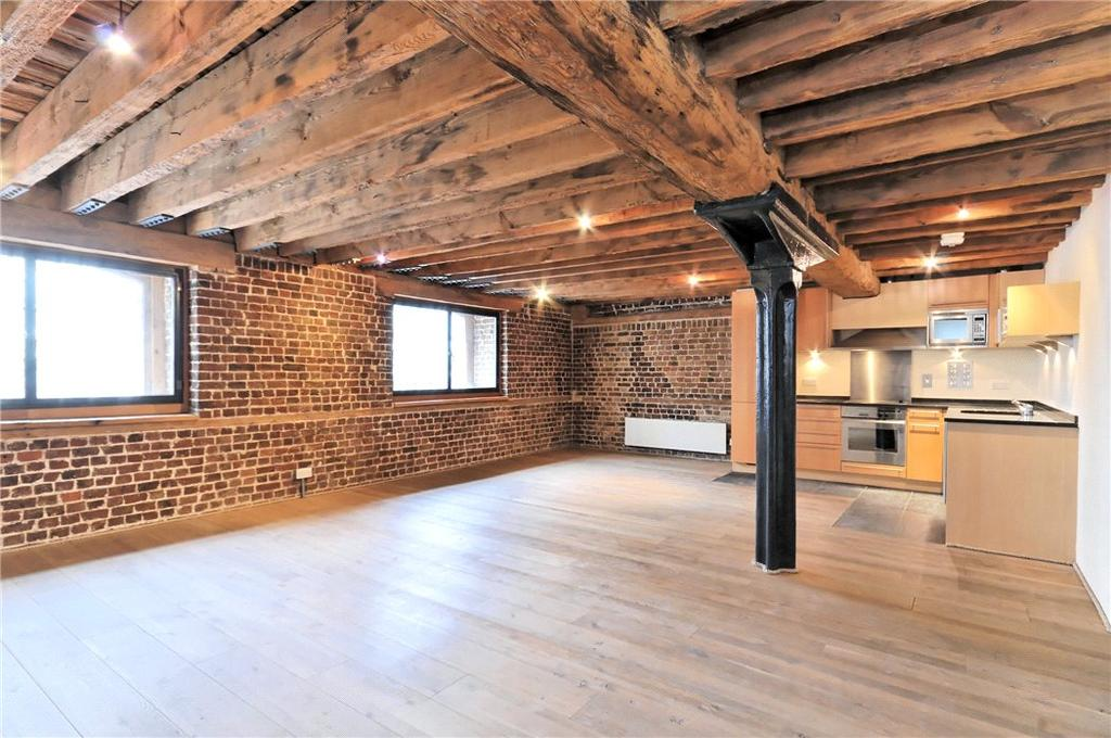 2 Bedrooms Flat for sale in Port East Apartments, Hertsmere Road, Canary Wharf, London, E14